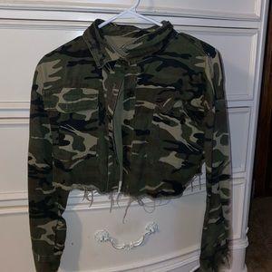 cropped camouflage denim jacket